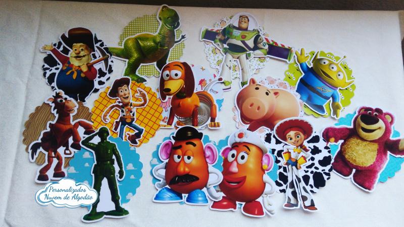 Aplique 3d 5x5 Toy Story deitado-Aplique 3d 5x5 Toy Story deitado  Fazemos em qualquer tema. Envie nome e idade para personalizaç