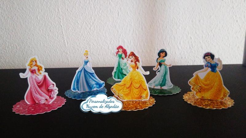 Aplique 3d de latinha Princesas-Aplique 3d de latinha Princesas  Fazemos todos os temas Fazemos em qualquer tema. Envie nome e i