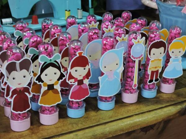 Aplique de tubete Cinderela cute-Aplique de tubete Cinderela cute  Fazemos em qualquer tema. Envie nome e idade para personalizaç