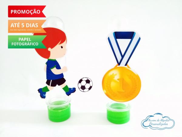 Aplique de tubete Futebol - Jogador e medalha-Aplique de tubete Futebol - Jogador e medalha  Fazemos em qualquer tema. Envie nome e idade para