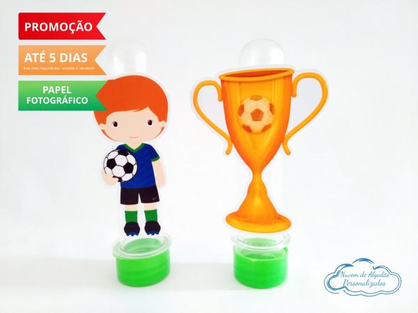 Aplique de tubete Futebol - Jogador e taça-Aplique de tubete Futebol - Jogador e taça  Fazemos em qualquer tema. Envie nome e idade para pe