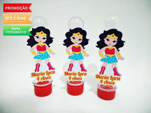 Aplique de tubete Mulher maravilha cute-Aplique de tubete Mulher maravilha cute  Fazemos em qualquer tema. Envie nome e idade para person