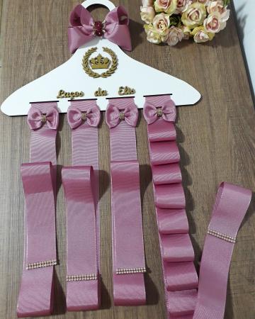 Cabide porta  laços personalizados-Cabide  organizador para laços e tiaras personalizado com nome da sua princesa.  Prazo para confec