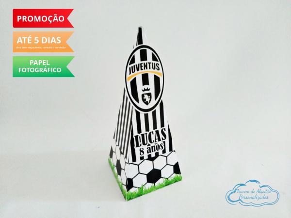 Caixa pirâmide Juventus-Caixa pirâmide Juventus com aplique. Fazemos em qualquer tema. Envie nome e idade para personaliz