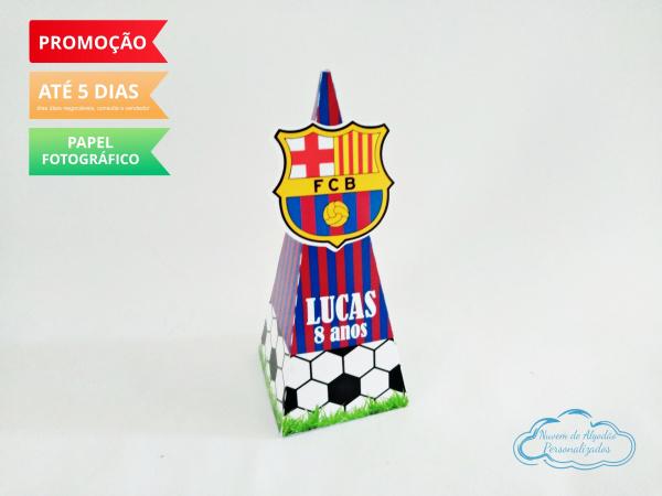 Caixa pirâmide Barcelona-Caixa pirâmide Barcelona com aplique. Fazemos em qualquer tema. Envie nome e idade para personali