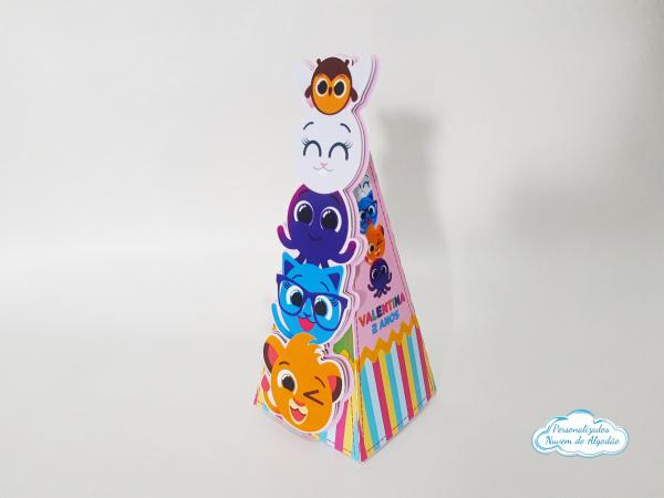 Caixa pirâmide Bolofofos-Caixa pirâmide Bolofofos  Fazemos em qualquer tema. Envie nome e idade para personalização.