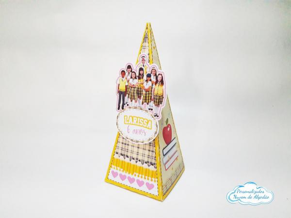Caixa pirâmide Carrossel-Caixa pirâmide Carrossel com aplique. Fazemos em qualquer tema. Envie nome e idade para personali