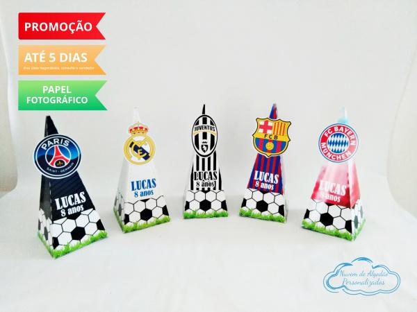 Caixa pirâmide Champions League-Caixa pirâmide Champions League com aplique. Fazemos em qualquer tema. Envie nome e idade para pe