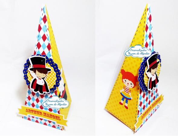 Caixa pirâmide Circo-Caixa pirâmide Circo com aplique. Fazemos em qualquer tema. Envie nome e idade para personalizaç