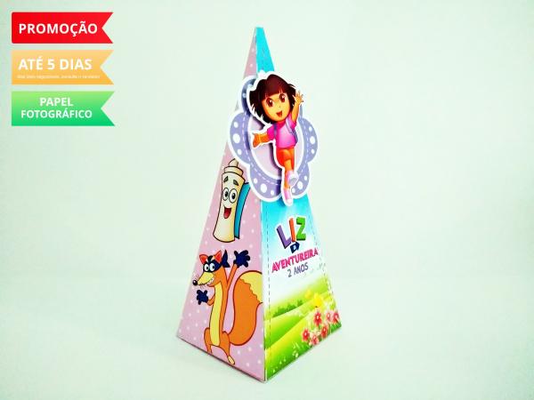 Caixa pirâmide Dora Aventureira-Caixa pirâmide Dora Aventureira com aplique. Fazemos em qualquer tema. Envie nome e idade para pe