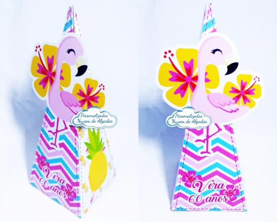 Caixa pirâmide Flamingo e Abacaxi-Caixa pirâmide Flamingo e Abacaxi com aplique. Fazemos em qualquer tema. Envie nome e idade para