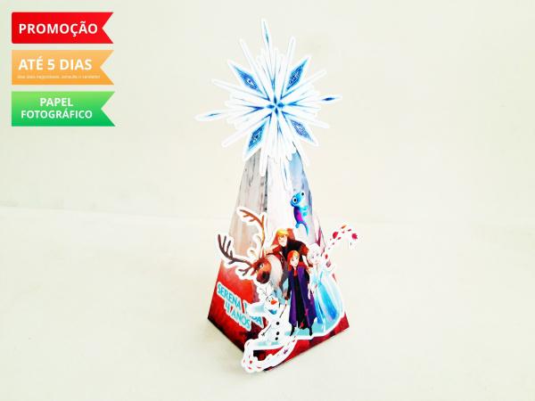 Caixa pirâmide Frozen 2-Caixa pirâmide Frozen 2 com aplique. Fazemos em qualquer tema. Envie nome e idade para personaliz