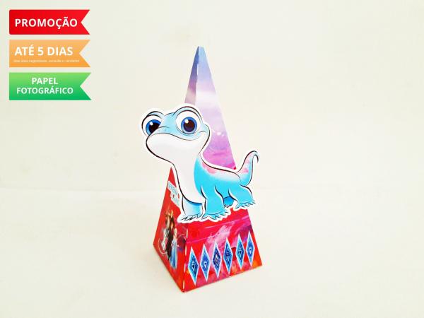 Caixa pirâmide Frozen 2 - Espirito do Fogo-Caixa pirâmide Frozen 2 - Espirito do Fogo com aplique. Fazemos em qualquer tema. Envie nome e id