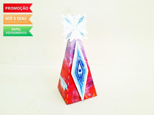 Caixa pirâmide Frozen 2 - Símbolos-Caixa pirâmide Frozen 2 - Símbolos com aplique. Fazemos em qualquer tema. Envie nome e idade par