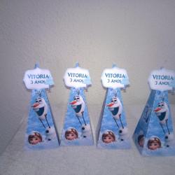 Caixa pirâmide Frozen