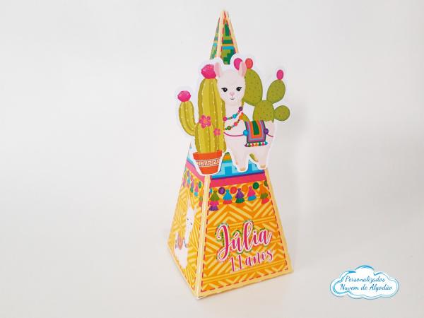 Caixa pirâmide Lhama-Caixa pirâmide Lhama  Fazemos em qualquer tema. Envie nome e idade para personalização.  - P