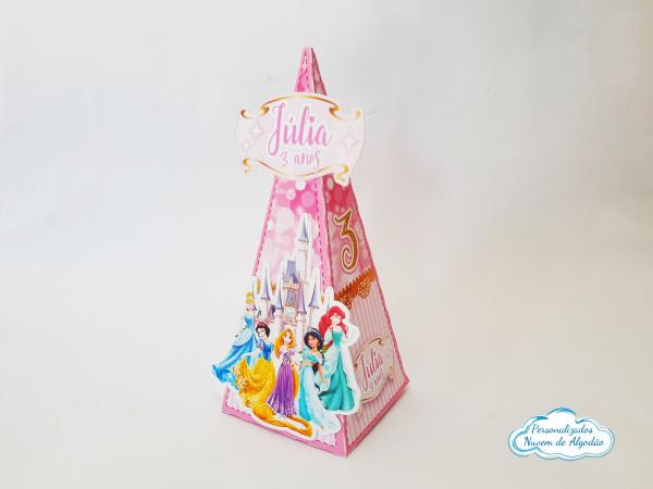 Caixa pirâmide Princesas-Caixa pirâmide Princesas Fazemos em qualquer tema. Envie nome e idade para personalização.  -