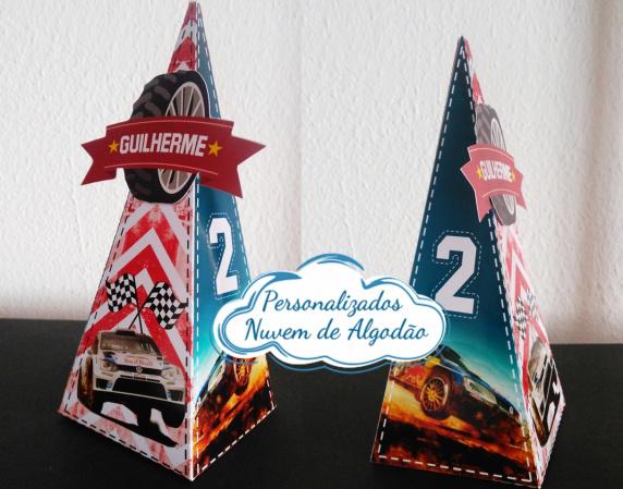 Caixa pirâmide Rally de Carros-Caixa pirâmide Rally de Carros com aplique. Fazemos em qualquer tema. Envie nome e idade para per