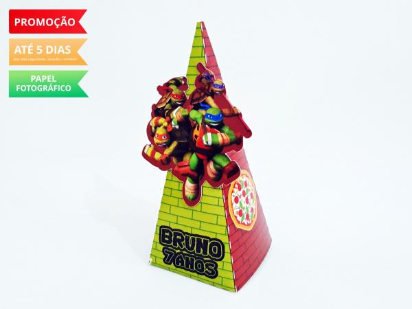 Caixa pirâmide Tartarugas ninja-Caixa pirâmide Tartarugas ninja com aplique. Fazemos em qualquer tema. Envie nome e idade para pe