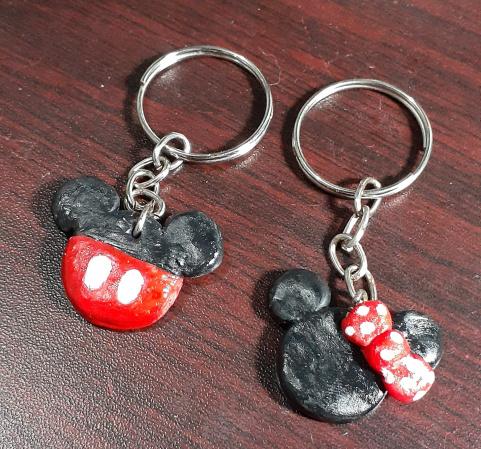 chaveiro Mickey&Minnie-1 par de chaveiros personalizados com tema Mickey e Minnie