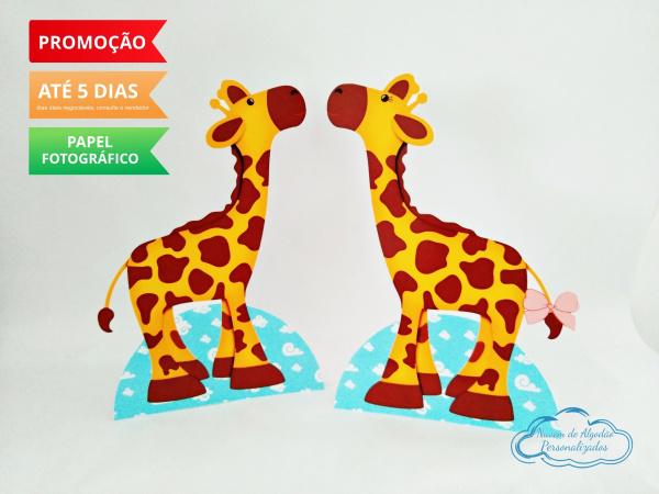 Display de mesa Arca de noé 27cm - Girafas-Display de mesa Arca de noé - Girafas até 27cm Largura varia de acordo com a imagem.  - Possui