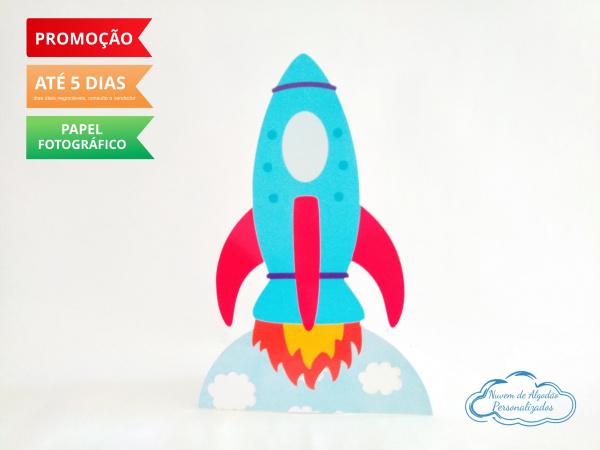 Display de mesa Brinquedos 27cm - Foguete-Display de mesa Brinquedos 27cm - Foguete  Largura varia de acordo com a imagem.  - Possui pé de