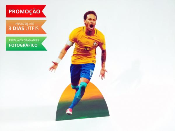 Display de mesa Futebol 27cm-Display de mesa Futebol 27cm  Largura varia de acordo com a imagem.  - Possui pé de apoio. - Pa