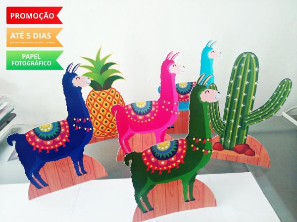 Display de mesa Lhama 27cm - Abacaxi e Cacto-Display de mesa Lhama até 27cm - Abacaxi e Cacto  Largura varia de acordo com a imagem.  - Possu
