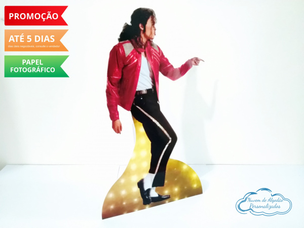 Display de mesa Michael Jackson 39cm-Display de mesa Michael Jackson 39cm Largura varia de acordo com a imagem.  - Possui pé de apoio