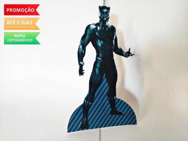 Display de mesa Pantera Negra 27cm-Display de mesa Pantera Negra até 27cm  Largura varia de acordo com a imagem.  - Possui pé de a