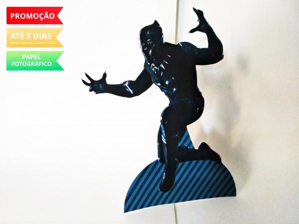 Display de mesa Pantera Negra 27cm - Pantera-Display de mesa Pantera Negra até 27cm - Pantera Largura varia de acordo com a imagem.  - Possui