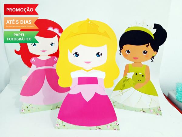 Display de mesa Princesas 27cm - Baby-Display de mesa Princesas até 27cm - Baby Largura varia de acordo com a imagem.  - Possui pé de