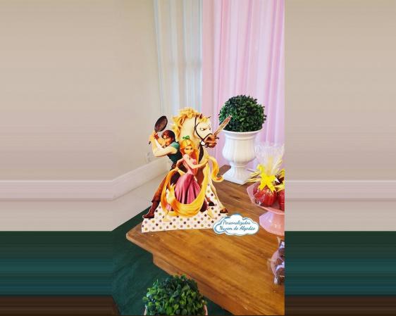 Display de mesa  Rapunzel 27cm - Enrolados-Display de mesa  Rapunzel 27cm - Enrolados  Fazemos todos os temas    Na hora do seu pedido info