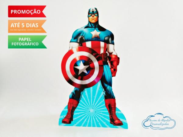Display de mesa Vingadores 27cm - Capitão-Display de mesa Vingadores até 27cm - Capitão  Largura varia de acordo com a imagem.  - Possui