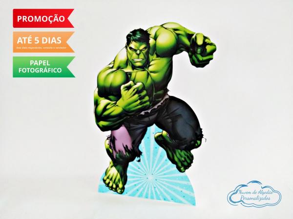 Display de mesa Vingadores 27cm - Hulk-Display de mesa Vingadores até 27cm - Hulk Largura varia de acordo com a imagem.  - Possui pé d