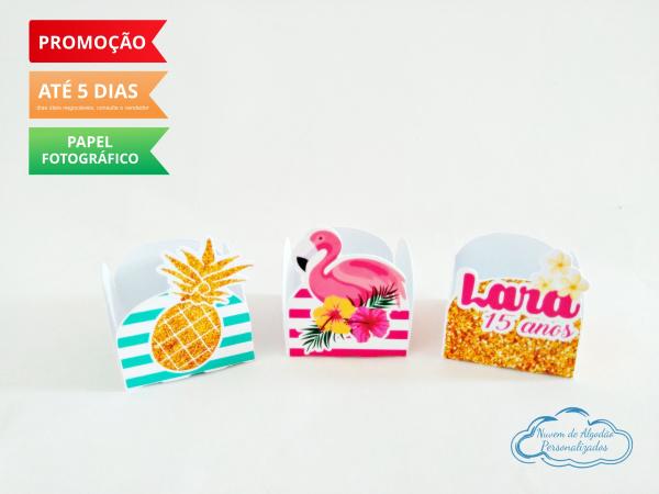 Forminha Flamingo e Abacaxi-Forminha Flamingo e Abacaxi Fazemos em qualquer tema. Envie nome e idade para personalização.