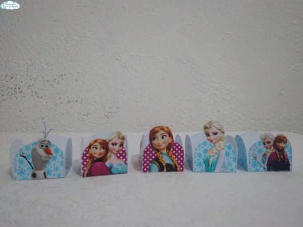 Forminha Frozen-Forminha Frozen Fazemos em qualquer tema. Envie nome e idade para personalização.  - Produto v