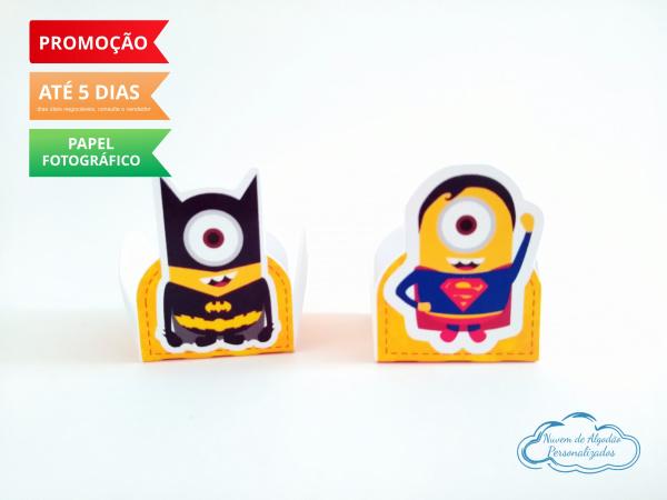 Forminha Minions Heróis Batman e Superman-Forminha Minions Heróis Batman e Superman Fazemos em qualquer tema. Envie nome e idade para perso