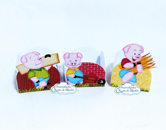 Forminha Os 3 porquinhos-Forminha Os 3 porquinhos Fazemos em qualquer tema. Envie nome e idade para personalização.  -