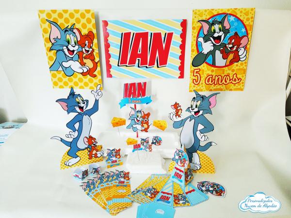Kit só um bolinho Tom e Jerry - Tamanho G-Kit só um bolinho Tom e Jerry - Tamanho G  - Topo de bolo - 1 trio de painel A4 - 15 forminhas