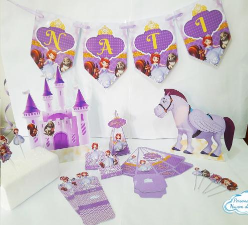 Kit só um bolinho Princesa Sofia - Tamanho M-Kit só um bolinho Princesa Sofia  - Tamanho M    - 1 bandeirola de até 6 letras - 20 toppers de