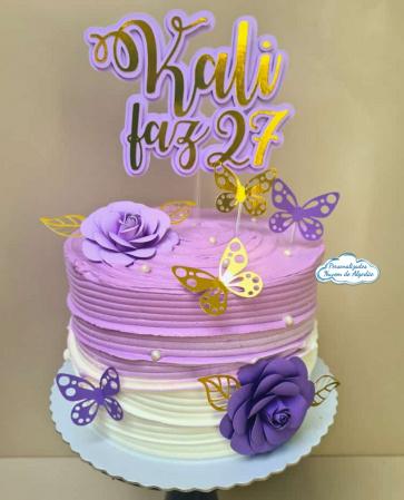 Topo de bolo dourado com 2 flores e borboletas-Topo de bolo dourado com 2 flores e borboletas  Fazemos em qualquer cor. Nos informe nome para al