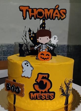 Topo de bolo Halloween - Menino-Topo de bolo Halloween - Menino  Fazemos todos os temas  Na hora do seu pedido informe os dados