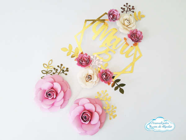 Topo de bolo luxo floral-Topo de bolo luxo floral  Fazemos em qualquer cor. Nos informe nome e idade para alterarmos no to