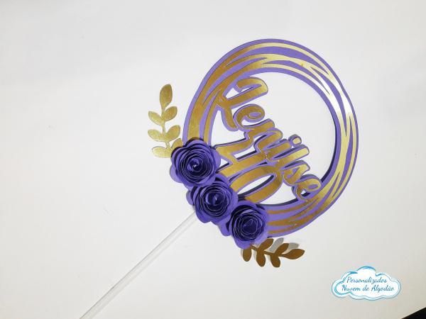 Topo de bolo redondo com 3 mini flores-Topo de bolo redondo com 3 mini flores  Fazemos em qualquer cor. Nos informe nome e idade para al