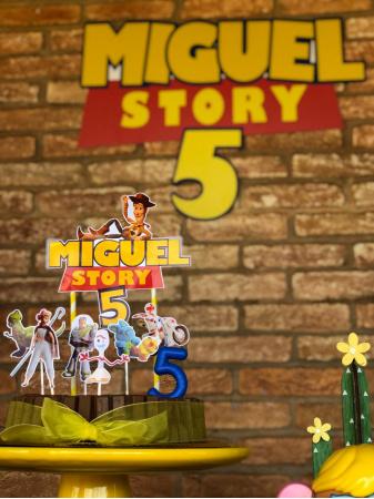 Topo de bolo Toy Story 4-Topo de bolo Toy Story 4  - Papel fotográfico glossy 230g  - Acompanham os palitos
