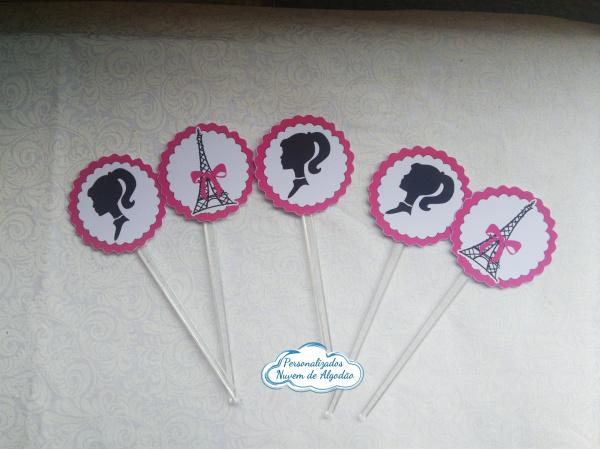 Topper de docinho Barbie-Topper de docinho Barbie Fazemos todos os temas    Na hora do seu pedido informe os dados para pe