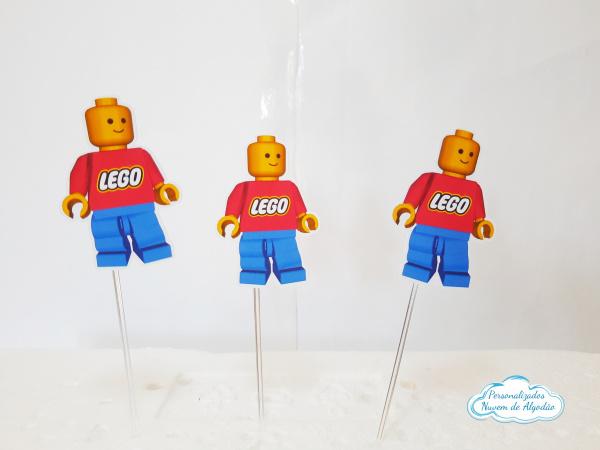 Topper de docinho Lego-Topper de docinho Lego Fazemos todos os temas    Na hora do seu pedido informe os dados para pers